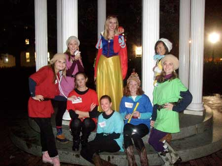Snow White and the Seven Dwarves at the Old Well