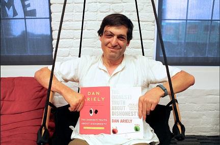 Dan Ariely '94.