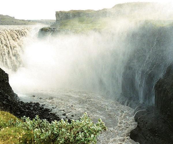 Iceland_GodafossWaterfall