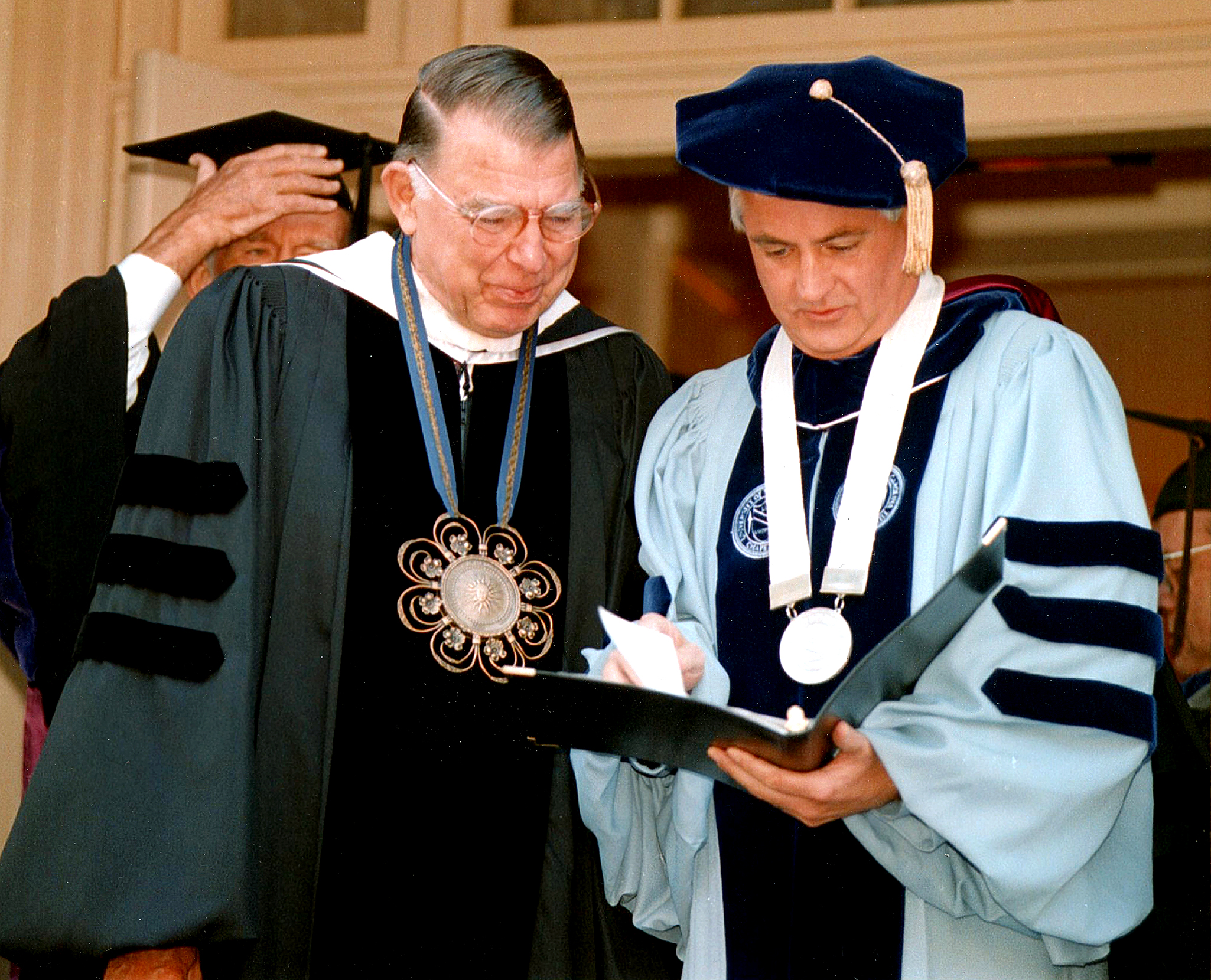 C.D. Spangler Jr., left, and Chancellor Michael Hooker.