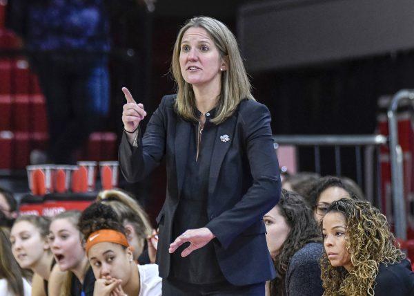 Women's Basketball Picks Princeton Coach